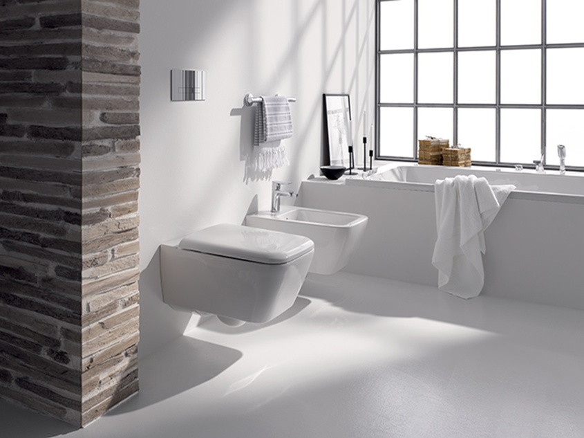 łazienka z toaletą rimfree